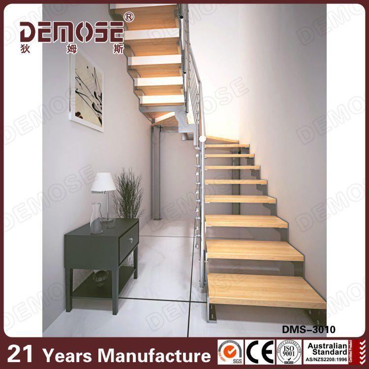 tape en bois d 39 escalier de forme d 39 u pour l 39 escalier de. Black Bedroom Furniture Sets. Home Design Ideas