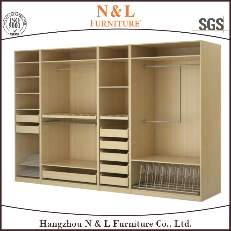 caminata de madera del estilo de los muebles modernos populares del dormitorio en armario