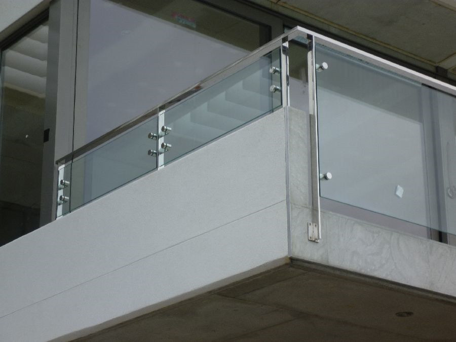 Foto de cristal interior escalera barandilla con pasamanos - Pasamanos escalera interior ...