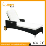 Outdoor Swimming Pool Adjustable Reclining Fashion Rattan Beach Chair for Wheel