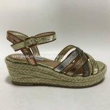 Fashion Women′s Summer Trendy Med Heel Sandals
