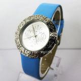 Diamond Alloy Case Watch Cheap Fashion Quartz Watch (HL-CD025)
