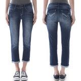 Wholesale Women′s 3/4 Long Denim Blue Jeans Pants