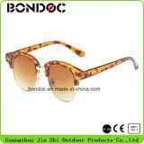 Metal Sunglasses Fashion Wholesale Sunglasses (JS-C038)