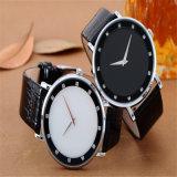 2017 Hl-AG039 Custom Logo Super Slim Wrist Watch/Leather Band