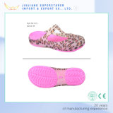 Popular Woman Jelly Clogs Sandals with Leopard Printing