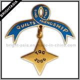 Hanging Ribbon Pin Badge for School (BYH-10017)