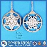Wooden Natural Snowflake Design for Wall Hanging Decoration
