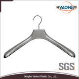 Plastic Hanger (6620-40)