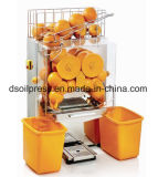 Small Home Appliance Restaurant Using Fresh Orange Juicer