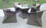 Geometry PE Rattan Furniture with Square Glass Top Table