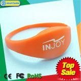Slim silicone HF 13.54MHz NTAG213 RFID Embossed Wristband bracelet