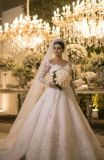 Long Sleeve Sequins Lace Beaded Muslim Bridal Gown Wedding Dress (BH005)
