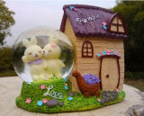 Polyresin Bear Hause Snow Globe Water Globe