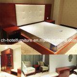 2015 Kingsize Luxury Chinese Wooden Hotel Bedroom Furniture (GLB-7000801)