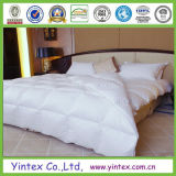 Warm and Light Fashion Design Polyester Comforter
