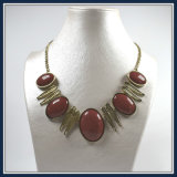 New Design Item Acrylic Beads with Leaves Point Elegant Fashion Necklace Jewellery