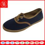 Leisure Flat Plain Wen′s Canvas Casual Shoes