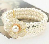 Fashion Multilayer Flower Beautiful Pearl Bracelet (XBL12634)