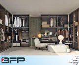 European Style Bedroom Furniture Wooden Walk in Closet