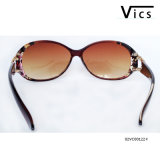 Fashion Eyewear. Plastic Sunglasses (02VC00122)