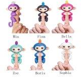 Fingerlings - Interactive Baby Monkey Fingerling - Mia / Finn / Bella / Zoe / Boris / Sophie