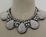 High Quality Beaded Crystal Fashion Charm Costume Necklace (JE0033)