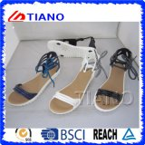 Women′s Gladiator Ankle Strap with Adjustable Buckles Flat Sandals (TNK50033)