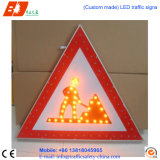Solar Power Alluminated Triangle Traffic Signs, LED Traffic Signal