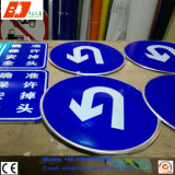 China Factory Customized Solar Road Traffic Signs Shapes Customized