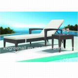 Outdoor Rattan Elegant Wicker Chaise Lounge