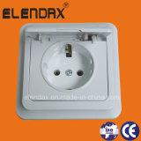 EU Style IP44 Flush Mounted Cover Wall Shucko Socket (F7510)
