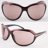 CE Approved Fashion Polarized Elegant Women Fashion Sunglasses (91020)