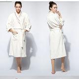Lady′s Bathrobe /Women′s Coral Fleece Bathrobe