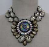 Fashion Costume Jewelry Bead Crystal Collar Necklace (JE0082)