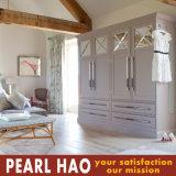 Customized Australia Style MDF Wooden Bedroom Wardrobe Closet