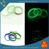 Factory Price Glow in Dark Silicone Wristbands with Green Light