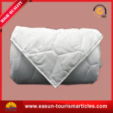 Airline Supplier Cheap Polyester Quilt Set for Business Class