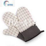 Printed Kitchen Cotton Heat Resistant Oven Gloves