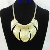 New Item Matt Gold Alloy Pendant Fashion Jewelry Necklace
