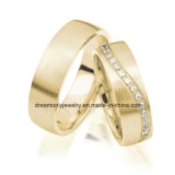 Matte Finish Claw Setting Gold Plated Wedding Ring