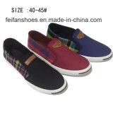 New Style Fashion Men′s Slip on Quadrille Canvas Shoes (DL160624-13)