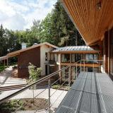Anti-slip steel grating for veranda