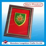 Custom Wooden Frame Metal National Emblem Trophy Frame
