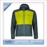 Men Outdoor Hiking Wear Waterproof Jacket with Custom Logo Printing