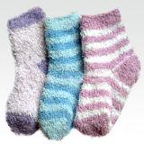 Women′s Striped Fuzzy Red Socks (UB-137)