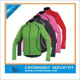 Men′s Polyester Waterproof Sports Softshell Jacket with Mixed Color