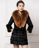 Women′s 100% Real Rabbit Fur Coat with Super Big Raccoon Fur Collar