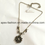 Fashion Leaf Necklace with Flower Pendant Jewellery