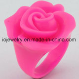 The Best Valentine′s Day Gift Resin Rose Rings